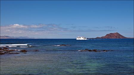 Fuerteventura - Fotos der Woche | Blick auf Lanzarote und Isla de Lobos :: Corralejo