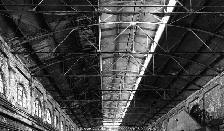 Black and White - März 2017   Stahlstreben-Decke