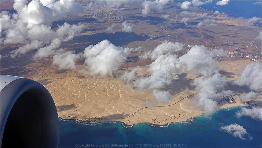 Flug über die Wanderdüne von Corralejo